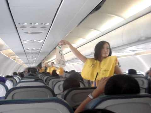 Видео дня – Танцующие стюардессы