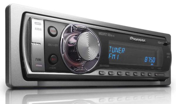 Водители редко переключают станции на радиоприемниках